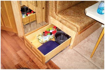 Pull out shelf with kitchen supplies