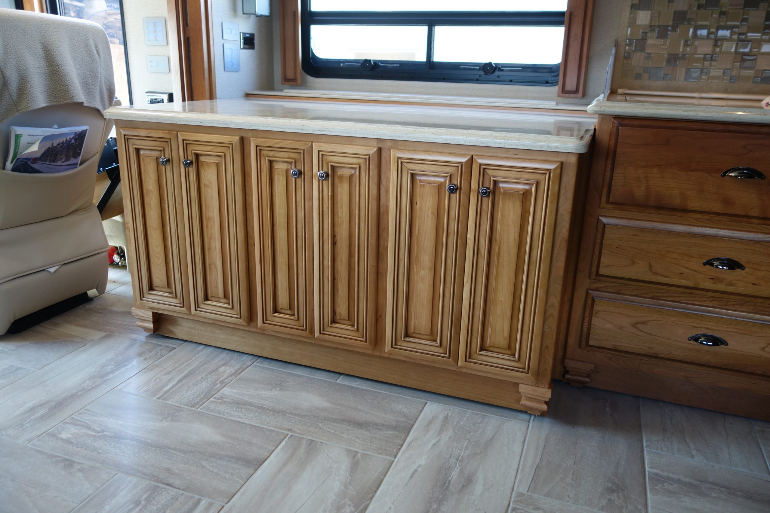 Custom kitchen countertop and cabinet set